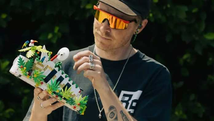Adidas e LEGO tênis personalizável