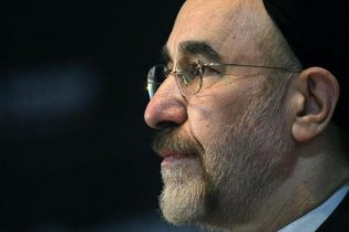 Former Iranian president asks Supreme Leader to end house arrests