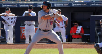 Tim Tebow Does it Again – Changing Lives while Playing Sports