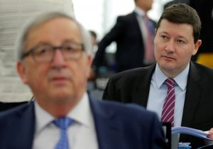 Key EU lawmakers committee to query Juncker aide's promotion at hearing