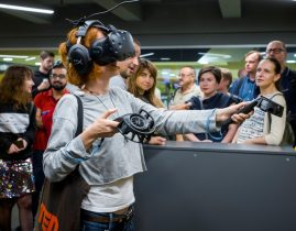 Ukrainians relive bloodshed of Kiev's Maidan in virtual reality