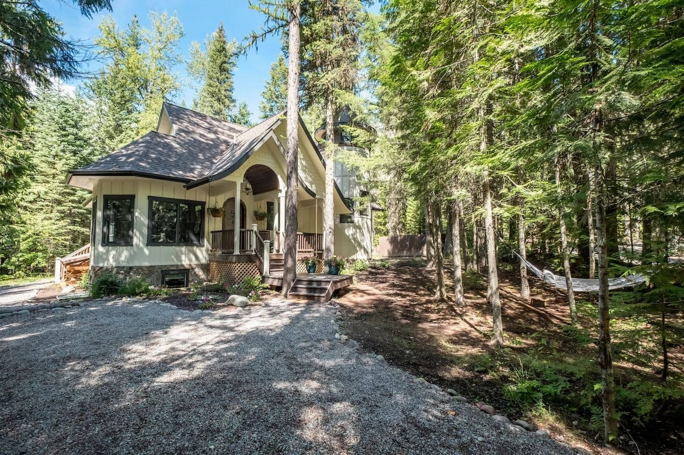 Welcome to Glacier Bear Retreat, an exclusive luxury vacation rental inside Glacier National Park!