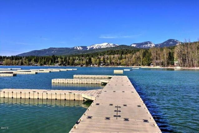 1400 wisconsin avenue dock with mountain view