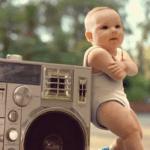 【Youtube】超ダンスの上手いベイビーがかわいい『Evian Roller Babies』