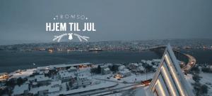 """Tittelsiden fra """"Hjem til jul""""-filmen fra Tromsø kommune"""