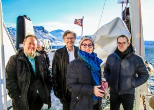 Fra ordfører og Samarbeidspartienes tur til Vengsøya for å besøke barnehagen.