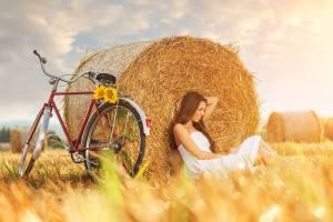 Kvinna höbal cykel