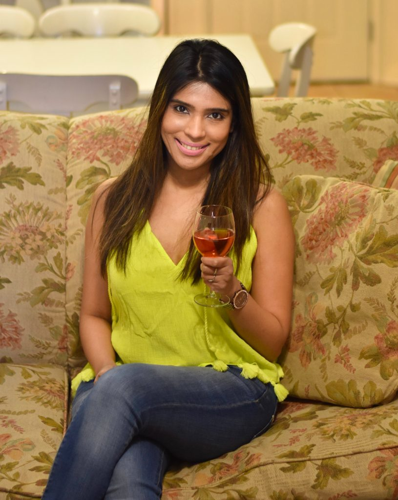 Green top and wine1