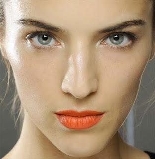 Bright lips Trend