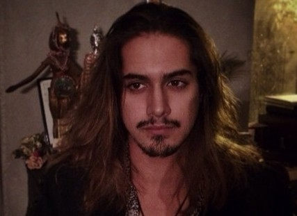 Tut Actor Avan Jogia Chops Off His Infamous Hair And It S A Big Deal Photo Glambergirlblog