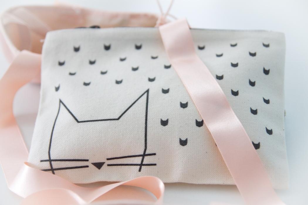 petite-mila-pochette-chat