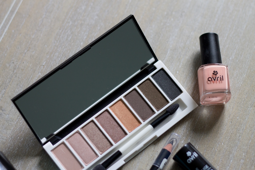 avril-lily-lolo-makeup