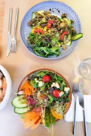 Le Potager de Charlotte, c'est un restaurant délicat mais sans chichi ouvert en septembre 2015 dans le 9ème arrondissement de Paris. Une adresse parfaite en tous points, de la cuisine végétale colorée et raffinée à la déco, en passant par l'accueil et les tarifs. On dit oui !
