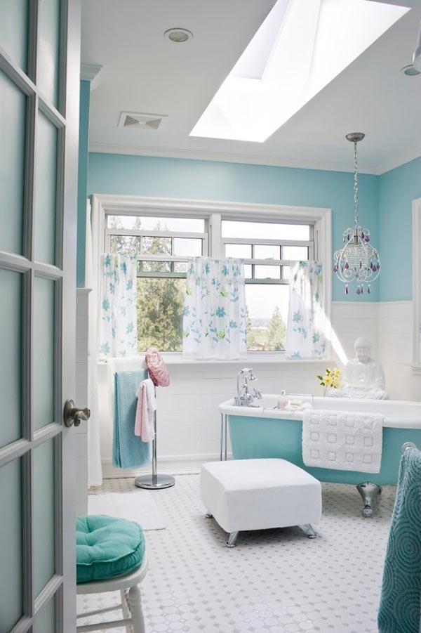 salle-de-bain-minimaliste-turquoise - glam & conscious - Salle De Bain Bleu Blanc Gris