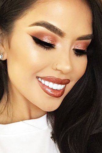 Glamorous Rose Gold Makeup Looks picture 2