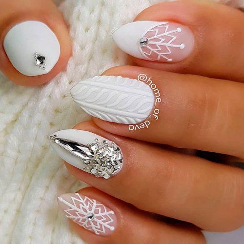 Matte White Knited Nails #mattenails #rhinestonesnails