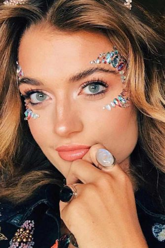 Sparkly Jewelery Festival Makeup Looks