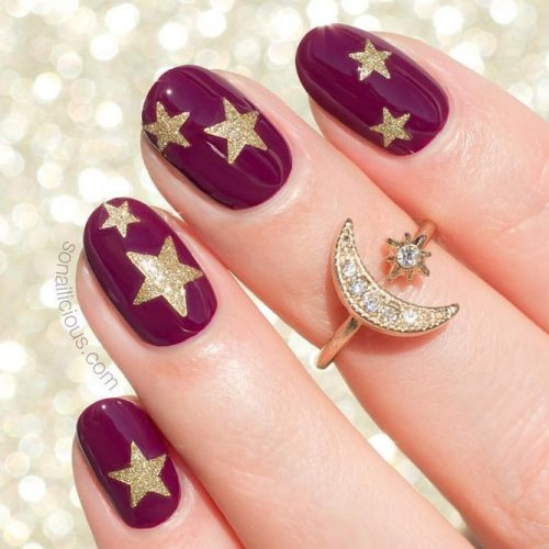 Short Burgundy Oval Nails Design #goldglitter