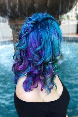 Blue Medium Hairstyle With Purple Highlights #wavyhairstyle #braidhairstyle