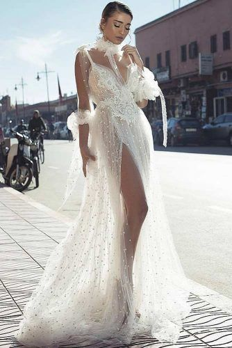 Lace And Rhinestones Design For Glam Vintage Dress #lace #modernvintage