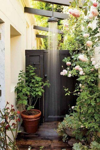 Closed Garden Outdoor Shower #closedshower #gardenshower