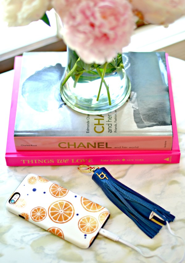 Stylish, Charging Cell Phone Tassel (& Giveaway)