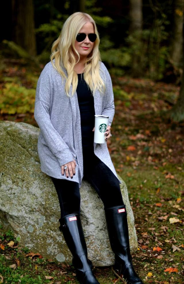 Stylish Fall & Winter Outfit Ideas to Stay Warm & Cozy!