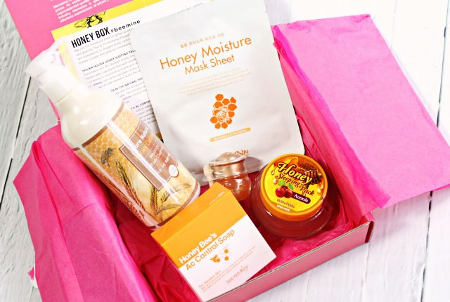 Do you like honey in your beauty products? Then you might want to check out my Memebox Honey Box Review! >> http://bit.ly/1HzXGI0 | via @glamorable
