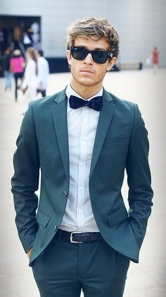 match a bow tie with a suit