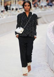 Chanel Métiers d'Art 2012 Bombay Collection 070