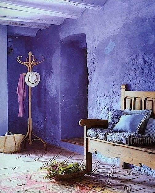 5 ways to usher ultra violet shades in your bedroom