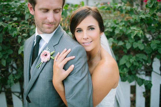 pink and gray vintage wedding | Troy Grover Photographers