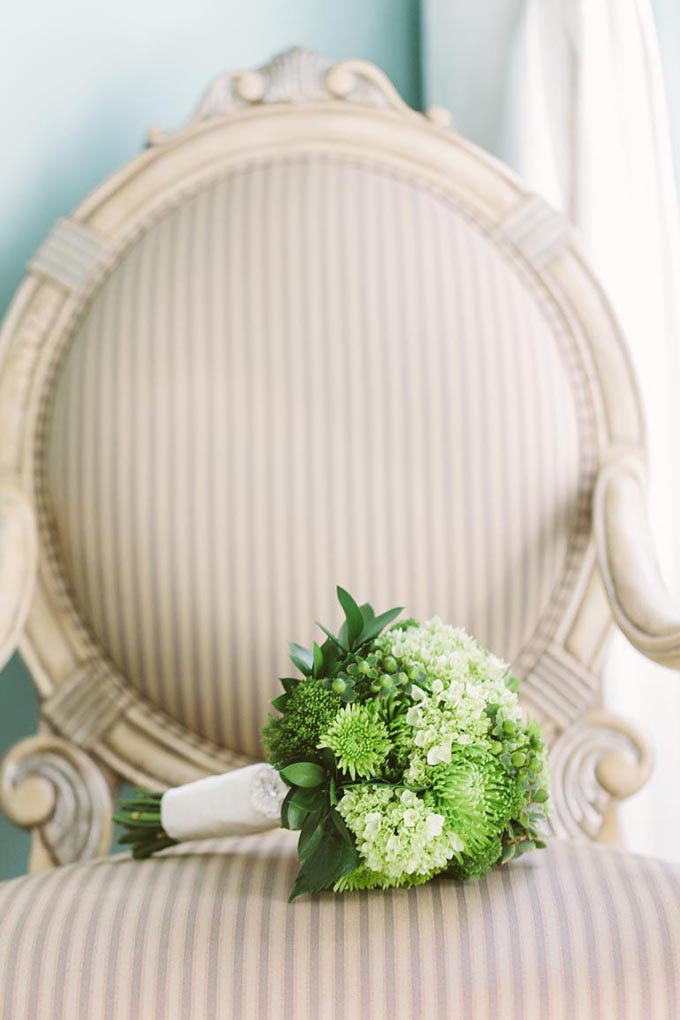 green bouquet | We Heart Photography