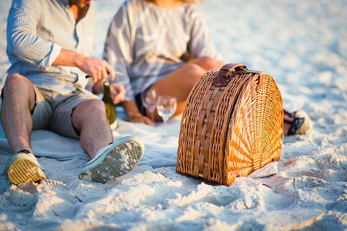 beach picnic anniversary | Hunter Ryan Photo