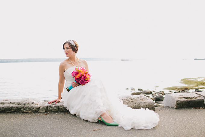 red and turquoise seaside wedding | Jamie Delaine Photography