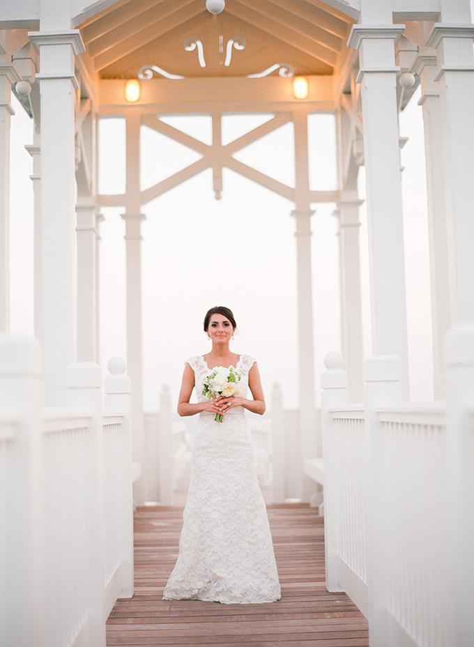 white and blue beach wedding   pure7studios