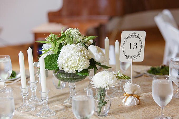whtie centerpieces | David Abel Photography | Glamour & Grace