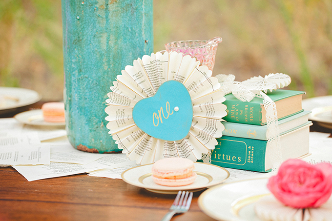 cute paper table number | Denise Nicole Photography | Glamour & Grace