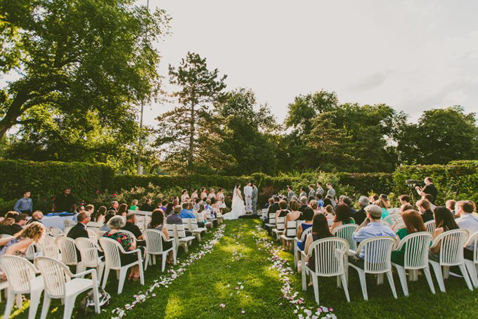ourdoor ceremony | Carolyn Scott Photography | Glamour & Grace