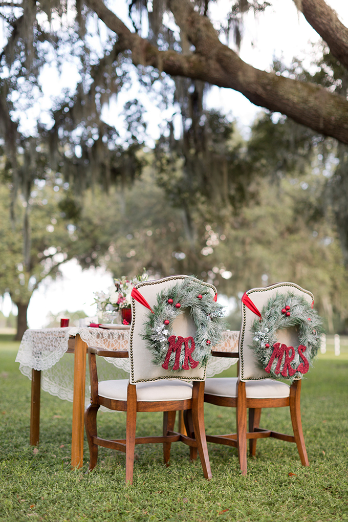 Mr and Mrs chair wreaths | Theresa NeSmith Photography | Glamour & Grace