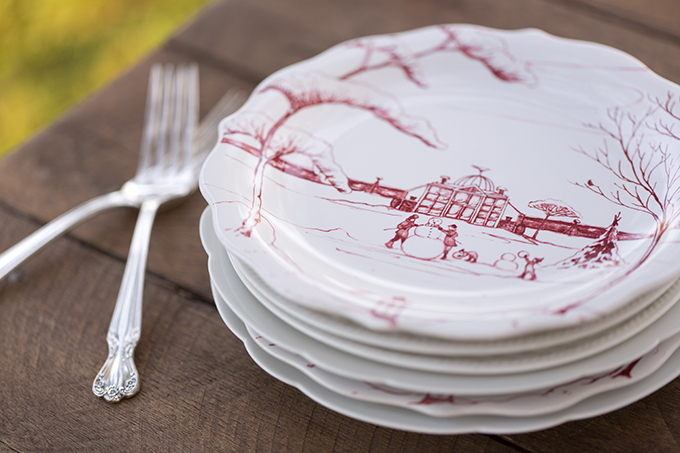 vintage Christmas plates from Dishie Rentals | Theresa NeSmith Photography | Glamour & Grace