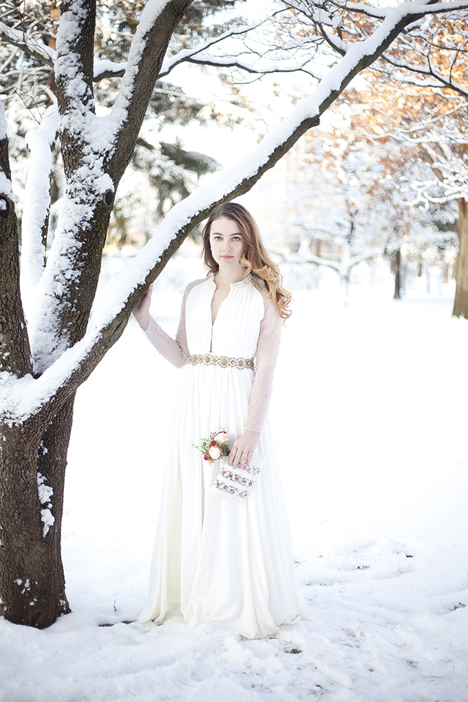 romantic winter bride | I Heart Photos Studios | Glamour & Grace