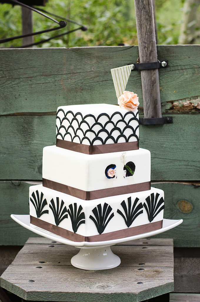 art deco cake | Green Blossom Photography | Glamour & Grace