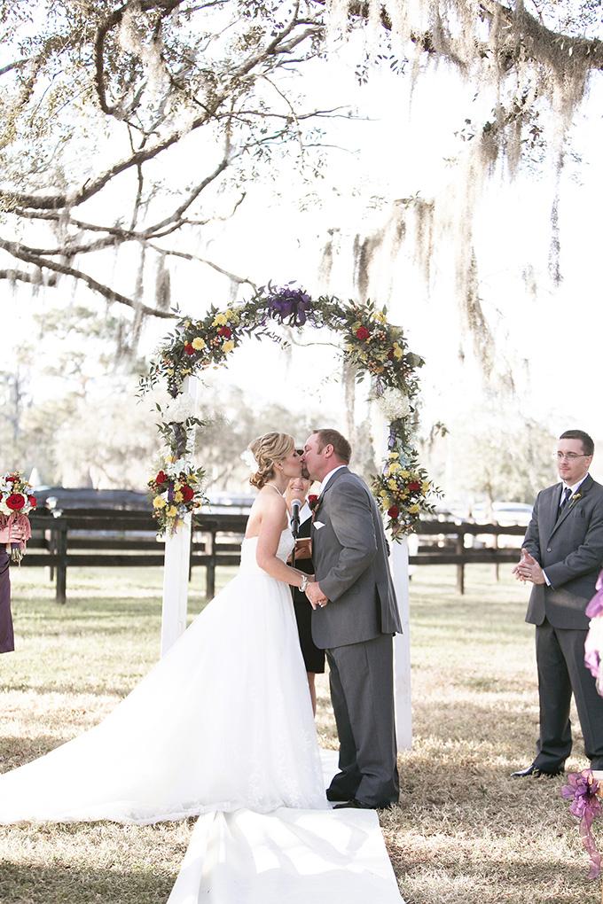 rustic burgundy barn wedding | K and K Photography | Glamour & Grace