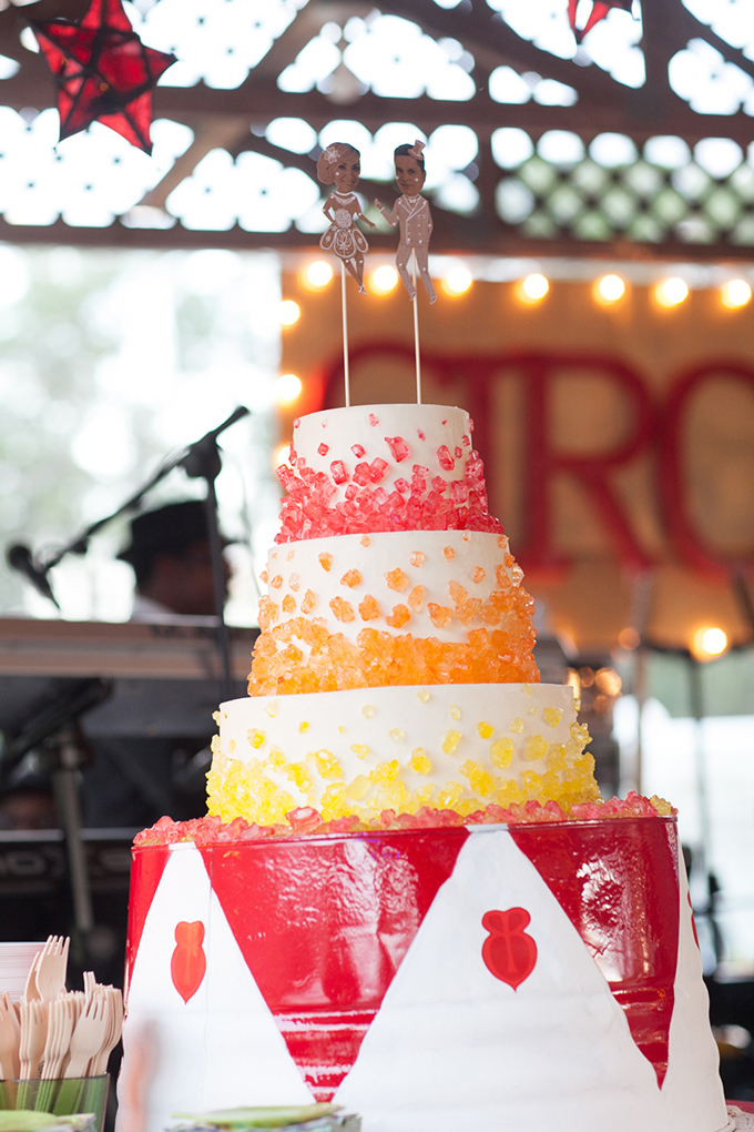 vintage circus cake | Esther Louise Photography | Glamour & Grace