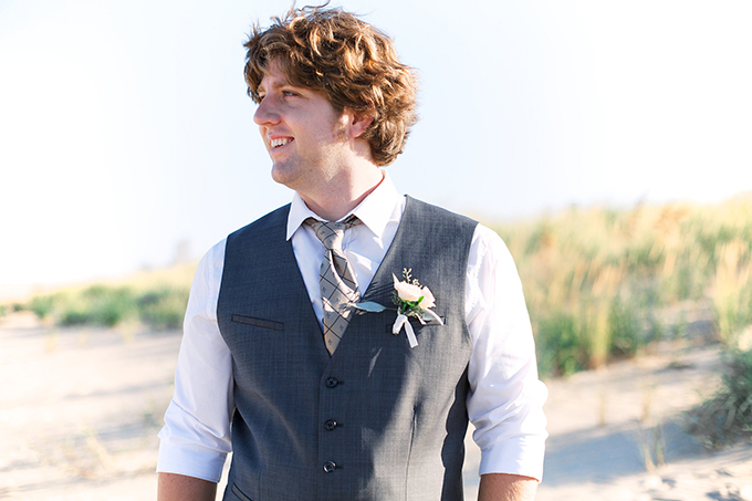 beach groom | Kacie Lynch Photography | Glamour & Grace