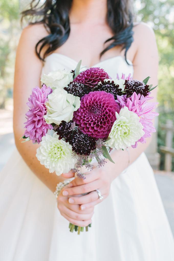purple bouquet | Kirsten Julia Photography | Glamour & Grace