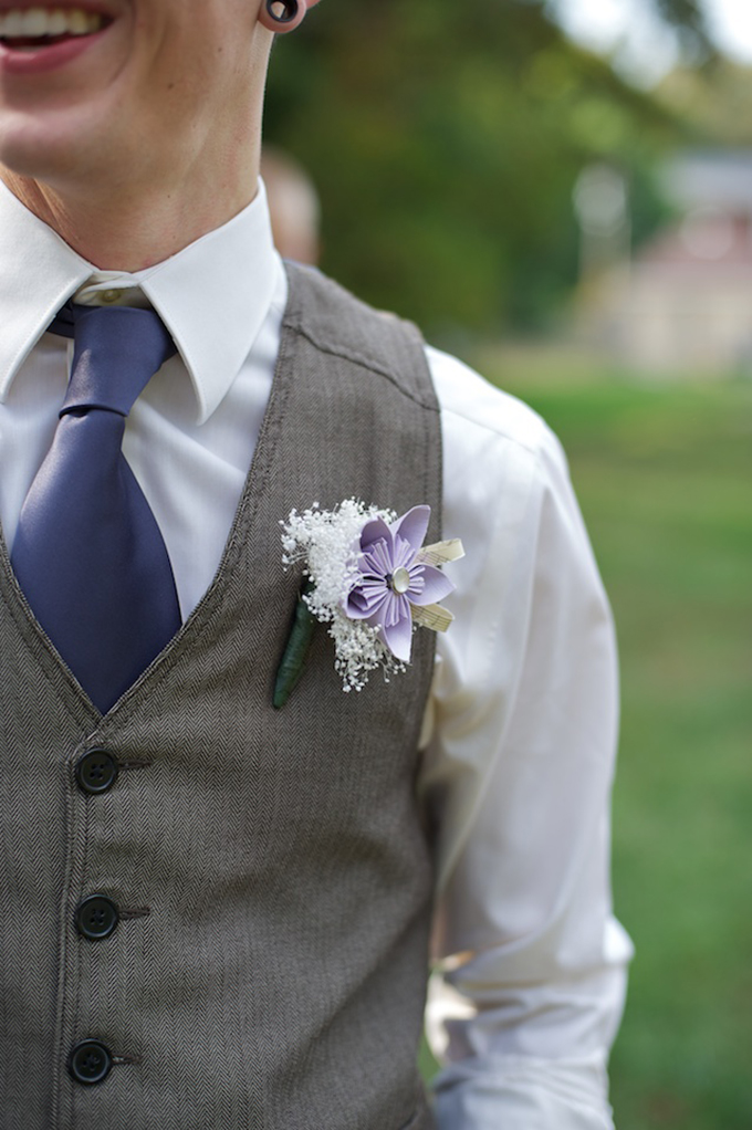 paper flower bout | D'Avello Photography | Glamour & Grace