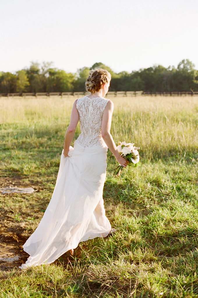 BHLDN Cypress gown |  Jenna Henderson, Photographer | Glamour & Grace