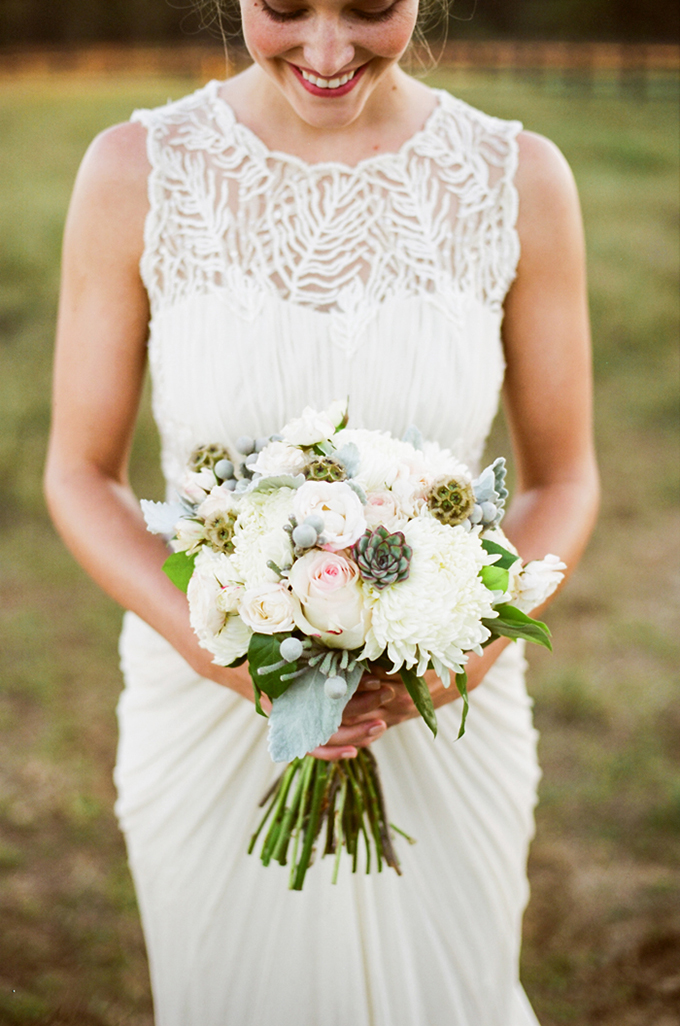 neutral bouquet | Jenna Henderson, Photographer | Glamour & Grace